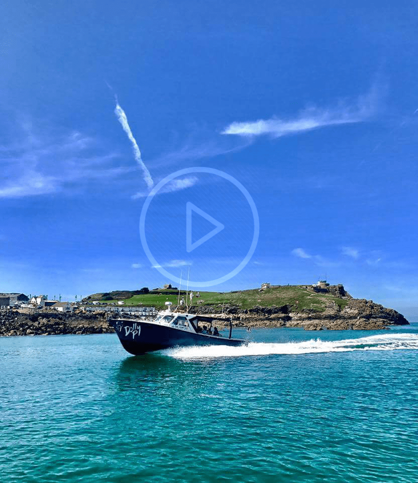 Dolly P returning to St Ives harbour